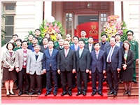Prime Minister Nguyen Xuan Phuc visits Book Exhibition celebrating 90th founding anniversary of the Communist Partyof Viet Nam (03/02/1930 – 03/02/2020)